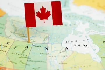 """""""Cơ hội vàng nhập cư"""" Canada trong 3 năm tới 2019 – 2021"""